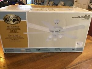 NEW Hampton Bay Glendale 52 in. Indoor White FINISH Ceiling Fan with Light Kit
