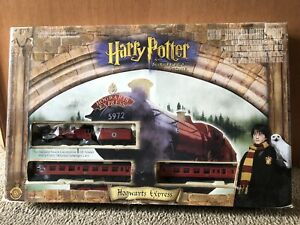 Harry Potter and the Sorcerer's Stone Hogwarts Express Electric Train Bachmann