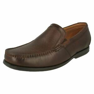 Mens Clarks Un Gala Free  Brown Slip On Shoes 7.5 G Fitting