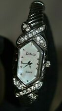 Vintage Women's Bracelet Watch with Robe Band and Rhinestones