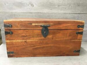 Vintage Antique Wood Chest W/Clasp