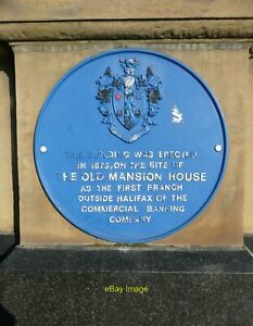 Photo 6x4 Blue plaque on Barclays Bank Thornton Square Brighouse  c2010