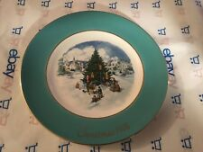 "Avon 1978 ""Trimming the Tree"" Christmas Collector plate"