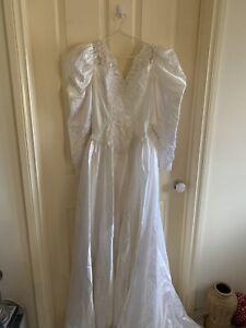 wedding dress And Veil size 12