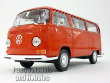 1972 Volkswagen - VW - T2 Type 2 Bus 1/24 Scale Diecast Model by Welly - RED