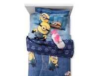 Despicable Me 3 Minions Bed Set. Twin Comforter and Sheets (4 pieces) 64 x86 in