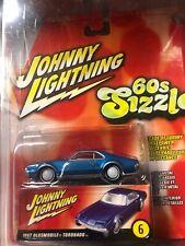 Johnny Lightning 60s Sizzle 1967 Oldsmobile Toronado White Lightning Blue