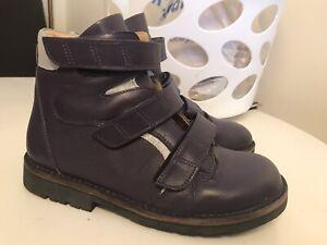 Piedro Pair Of Purple Boots Size 6 (39)