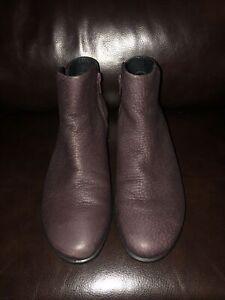 ECCO Skyler purple color Pebbled Leather Ankle Boots- EU 38/US 7