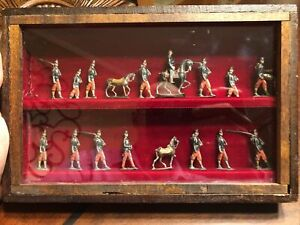 Rare Antique Complete Set Of 18 Lead Soldiers In Wooden And Glass Case.