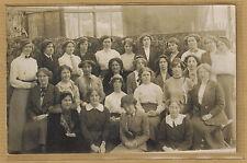 Carte Photo vintage card RPPC personnel féminin couturières ? vendeuses ? bt139