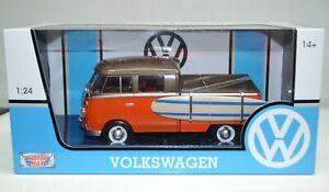 1:24 1966 Volkswagen-Type 2 T1 Pickup With Surf Board MotorMax #79560
