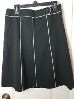 ANN TAYLOR A-Line SKIRT - Size 6 - Black w/White Piping -Side Zip-Fully LIned
