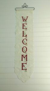 Welcome Lace Knit Tapestry Metal Hanger Red Lettering Country Kitchen Floral