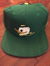NWT Nike Oregon Ducks Snap-back Apple Green Hat Puddles Orig. $35