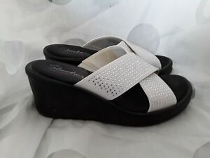 Ladies White With Silver Sparkle Backless Sandals With Wedge Size 4 By Skechers