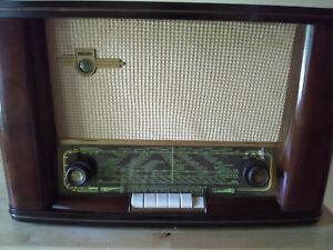 Vintage German Philips Saturn 54 Tube Radio