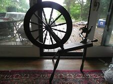 COUNTRY CRAFTSMAN  WORKING SPINNING WHEEL - J, ROONEY - LITTLETON, MA.