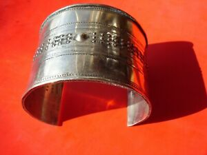 Niger Tuareg very wide hand engraved open bracelet cuff + points    H50mm