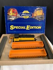 Athearn Special Edition 2208 PB&NE SW7 Powered Locomotive & 2 50' Gondolas
