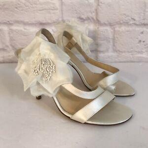 KATE SPADE NEW YORK Lavish Ivory Flower Satin High Heel Sling back shoes 7 B