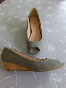 Ladies Khaki Canvas Peeptoe Cork Wedge Shoes Size UK 7 EUR 41