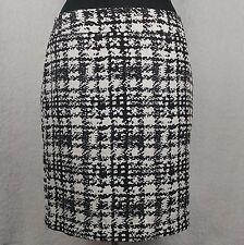 Ann Taylor Black and White Pencil Skirt - Size 10 - Knee Length Lined