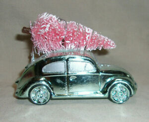 """4"""" wide mint green plastic VW Bug Christmas ornament with pink bottle brush tree"""