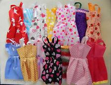 Barbie Puppen Kleider Kleidung 10 stück Stück alle verschiedene