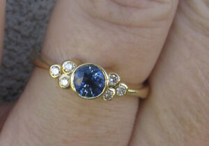 $ 4,650 Natural Untreated Ceylon Sapphire Diamonds 18k Yellow Gold Ring.