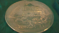 CLEAR CHRISTMAS HOUSE WITH HORSE DRAWN SLEIGH CLEAR ETCHED GLASS PLATE
