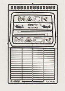 Detail Master 2562 x 1/24-1/25 Mack R600/R700 Truck Grille