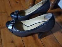 COACH Shoes - Leather Heels 4 Inches - Ladies Women's Size 8.5