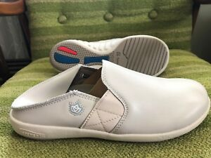 Spenco Quincy MD CONV Men's Professional Slip-On Shoe Bone - 9 New without box