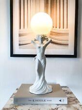 Mid Century Tischlampe Skulptur Akt im Art Deco Stil Design 80's White Keramik