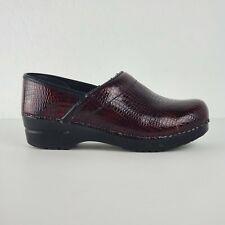 Sanita Clogs Sz 39 US 8 Embossed Patent Red Reptile Nurse Women Shoes