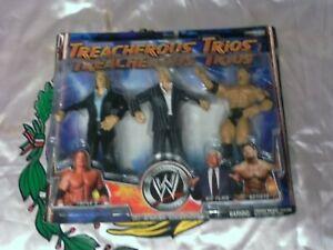 WWE TREACHEROUS TRIOS SERIES 1 TRIPLE H- RICK FLAIR- BATISTA