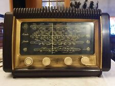 RADIO VINTAGE IN BACHELITE