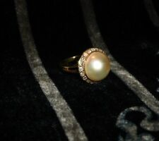 Vintage Ladies 14Kt. Yellow Gold, Mabe Pearl And Diamond Ring, Size 6 1/2