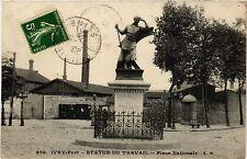 CPA Ivry-Port - Statue du Travail (275311)