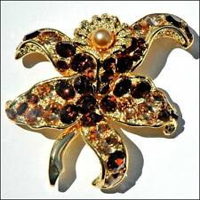 by Replica Collection Beautiful flower brooch