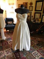 STUNNING HI-LO WHITE WEDDING GOWN RUCHED BODICE SATIN FILE W/ FULL SKIRT SIZE 4