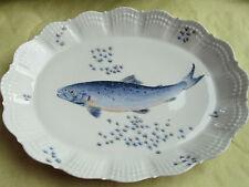 A. GIRAUD LIMOGES FRANCE PIASTRA OVALE 34 x 27,1 cm Pesce Decoro E CONCHIGLIA IN RILIEVO