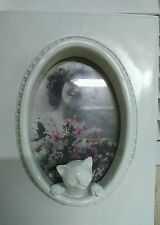 NEW Picture Frame White Cat Frame Cottage Picture Shabby Chic 20x15cm