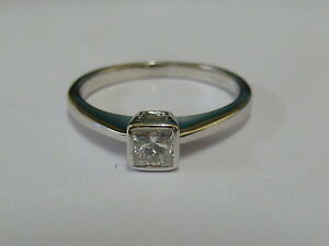 Stunning 18ct White Gold 35pt Diamond Rub-over Solitaire Ring Size N + Appraisal