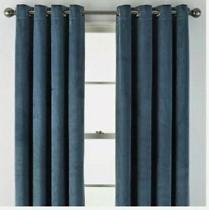 (1) Liz Claiborne JCPenney Holland Velvet Blackout Grommet Curtain 50 x 84 Teal