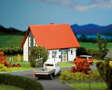 HO Scale Buildings - 130316 -  Detached house, grey - Kit