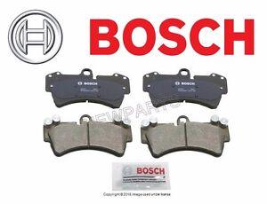 Front Brake Pad Set Bosch for VW Touareg Porsche Cayenne w/ 350 mm Brake Disc