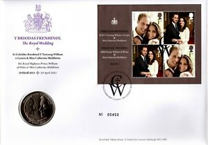 GB 2011 COVER THE ROYAL WEDDING WITH £5 COIN