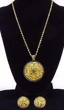 Golden Circle Pendant Necklace & Matching Pierced Earrings Clover & Heart Design